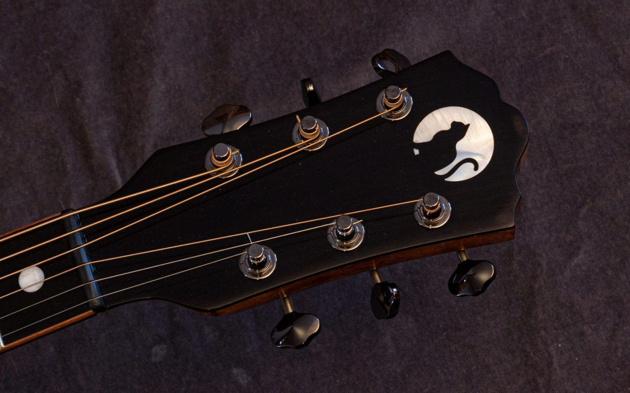 Cat in moon inlay